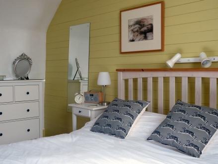 Bdrm 1 across bed